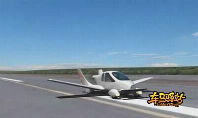秒内变身成小型飞机,经短距离助跑后就可一飞冲天