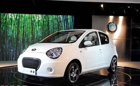 转型后的第一款新车型,也是悬挂   吉利   汽车是   熊猫