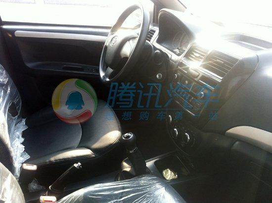 天津一汽威志v5無偽諜照曝光 采用全黑內飾高清圖片
