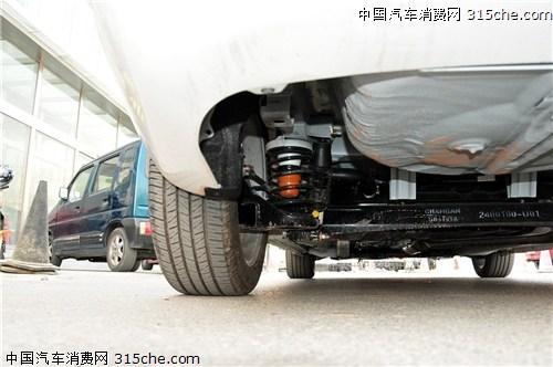 据官方消息,逸动是长安汽车在全新C平台上开发的,不过从实车图上高清图片