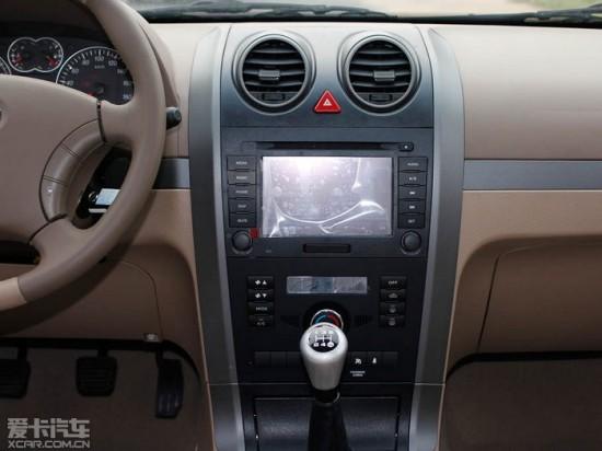 防夹升降器 自动闭窗器,自动大灯,自动雨刷等人性化智能配置,使整车