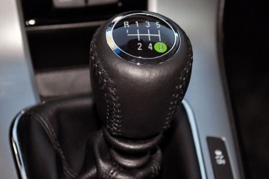 据报道,尽管汽车厂家在这五年间减少了10%的手动挡新车,这阵突如