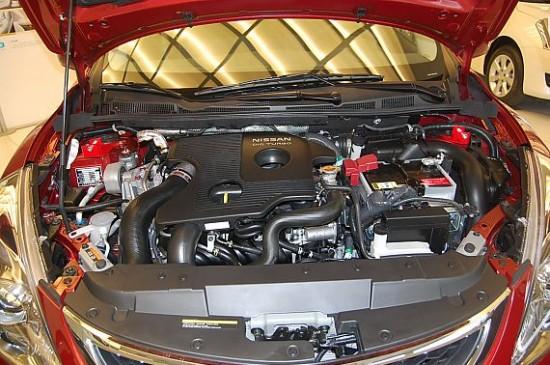骐达指导价:10.53-15.68   新骐达共有1.6L自然吸气和1.6L涡轮增压两款发动机,其中1.6L发动机的代号称为HR16DE,虽然和老款骐达发动机的代号相同,但他们在结构上已经完全不同了。新款发动机使用了DIS双喷油嘴、C-VTC进排气双可变气门正时技术,在最大功率上超越老款13kW之多,达到了93kW(126马力),扭矩输出为154Nom。   在变速箱的配备上,新骐达除了提供5速手动变速箱,还可以选择CVT变速箱。新骐达上所使用的是一台全新设计的CVT变速箱厂家称之为XTRONIC CV