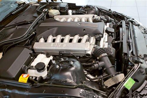 宝马公布新款Z3图片 V12发动机令人惊艳
