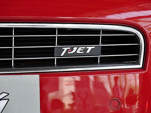 tjet标志代表了这辆车装备的是菲亚特自己研发的1