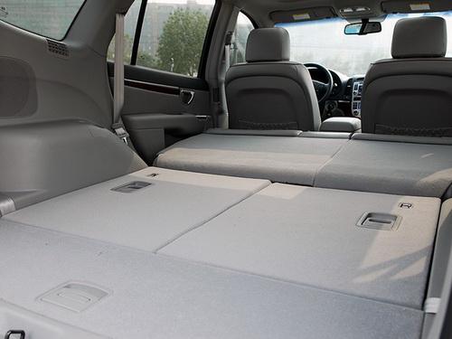 车讯网 车型库 雪佛兰 科帕奇(进口)    2010款新胜达内饰的整体风格