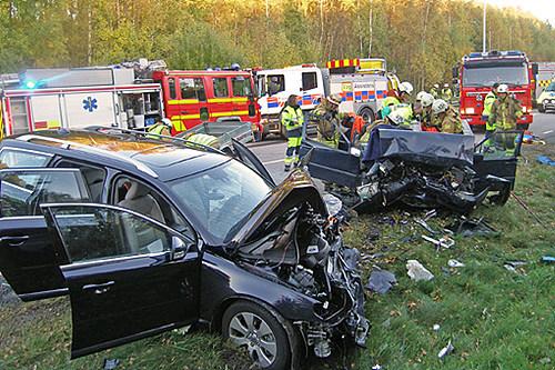 沃尔沃车祸图片图片 沃尔沃xc90车祸照片,沃尔沃xc60车祸照